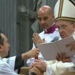 """Papa ordena novos sacerdotes: """"não se cansem de perdoar"""""""