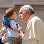 """Papa aos fiéis: """"A Igreja não são só padres, bispos e Vaticano"""""""