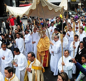 Na Praça da Sé, Arquidiocese de SP celebra Corpus Christi