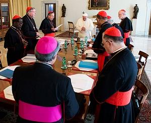 Papa começa reunião com seus cardeais conselheiros no Vaticano