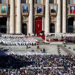 No Vaticano, Francisco canoniza sete novos santos