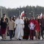 A Igreja quer ouvir a voz dos jovens, diz Papa em carta
