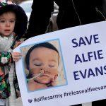 """Cardeal denuncia que Alfie Evans é vítima de """"perversão"""" econômica"""