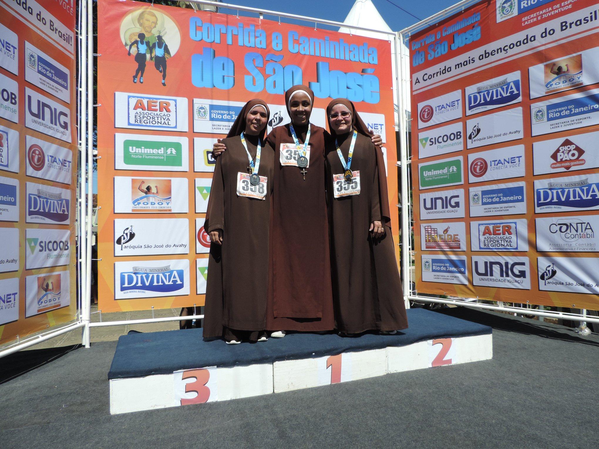 Antes mesmo do Vaticano, padres e freiras de Itaperuna se destacam no atletismo