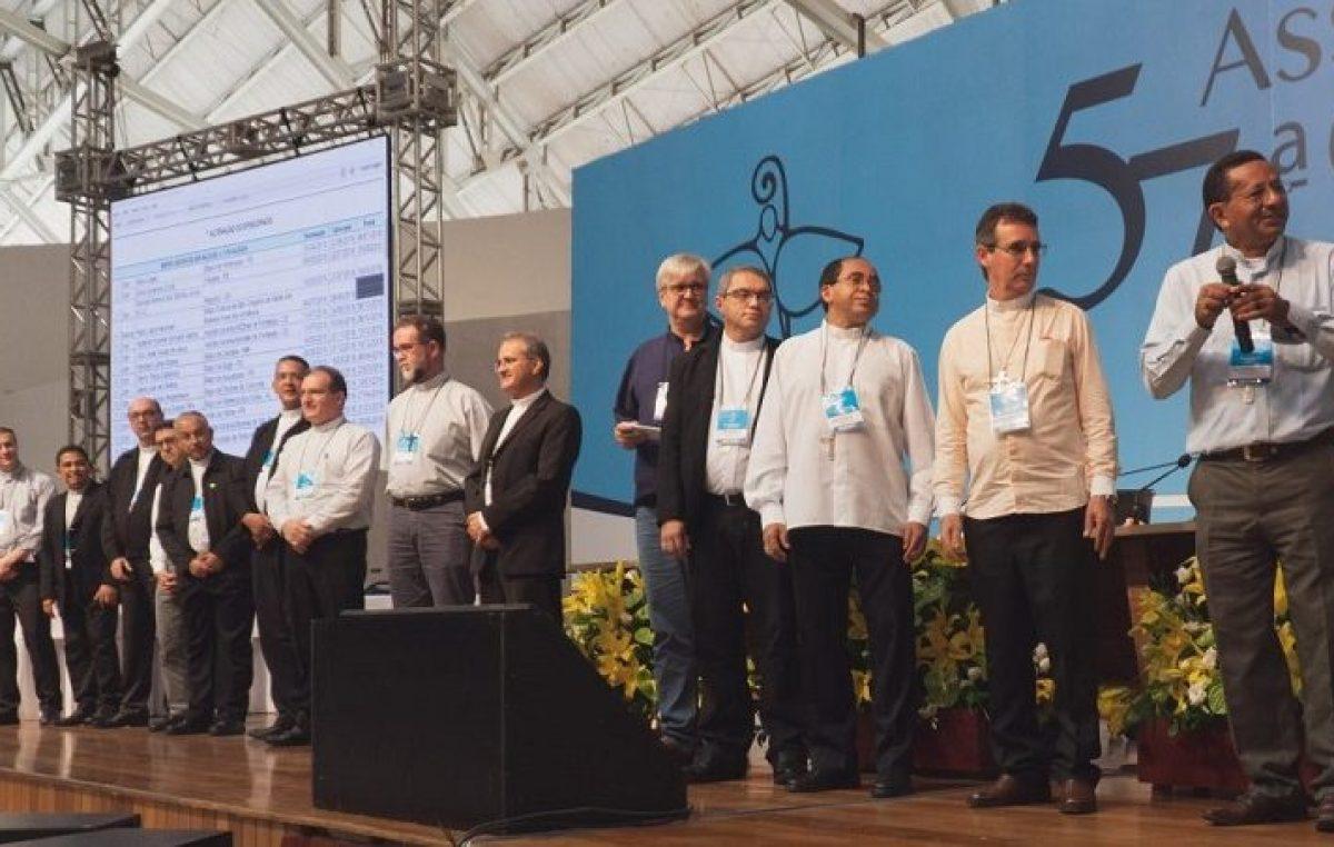 Bispos recém nomeados pelo papa Francisco participam de encontro anual de apresentação na CNBB