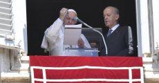 Papa abençoa terços que serão distribuídos a famílias na Síria