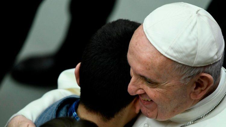 Papa a jovens do Paraguai: abracem Jesus e sejam amigos