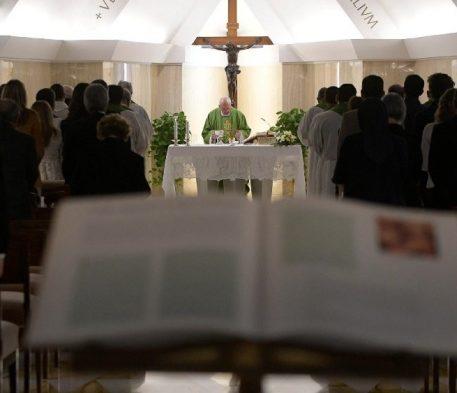 O Papa: o ministério é um dom, não uma função ou um pacto de trabalho
