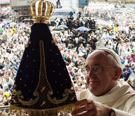 Francisco: olhar para Nossa Senhora com mais fé e esperança